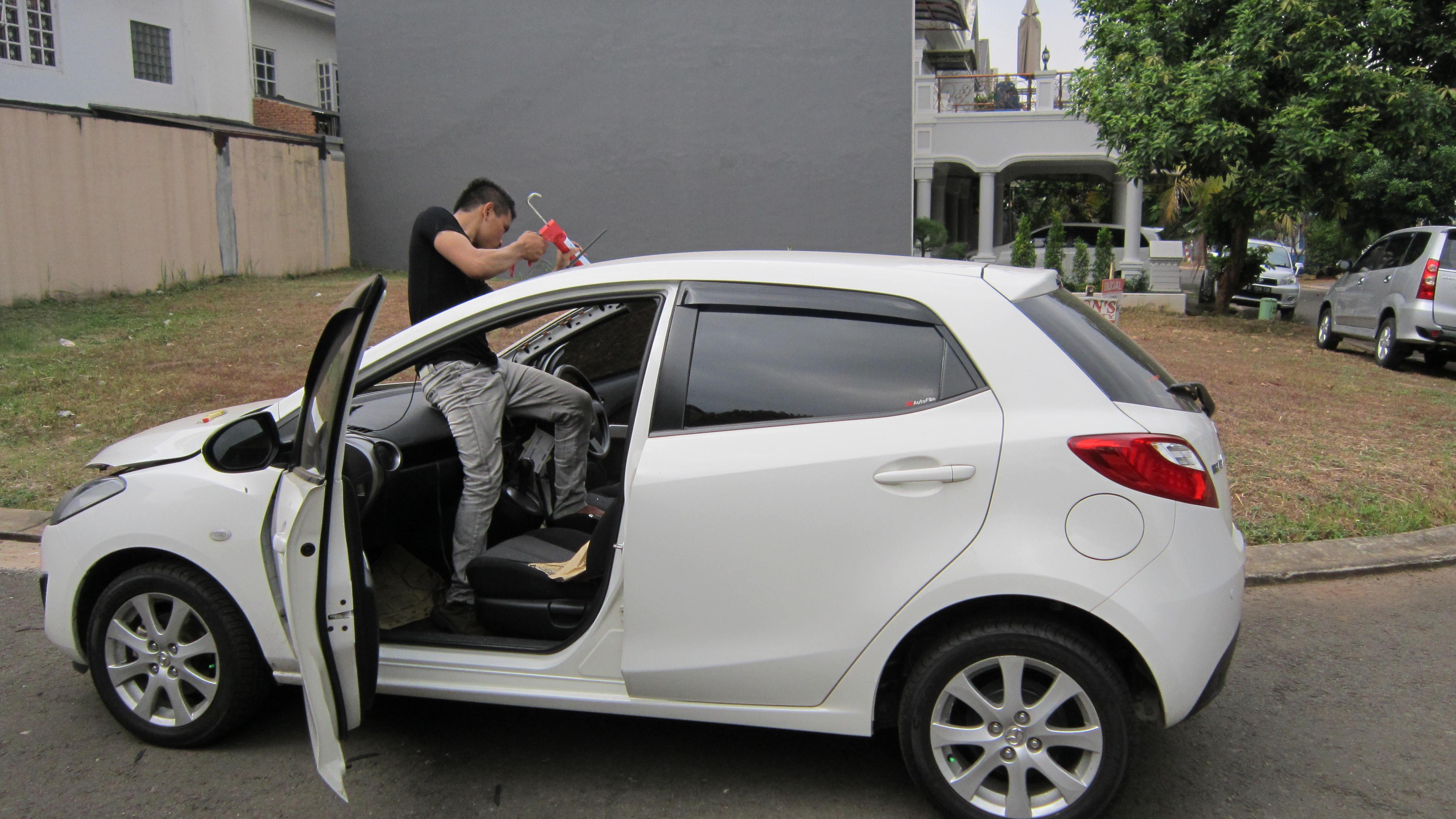 Layanan Ganti Kaca Mobil
