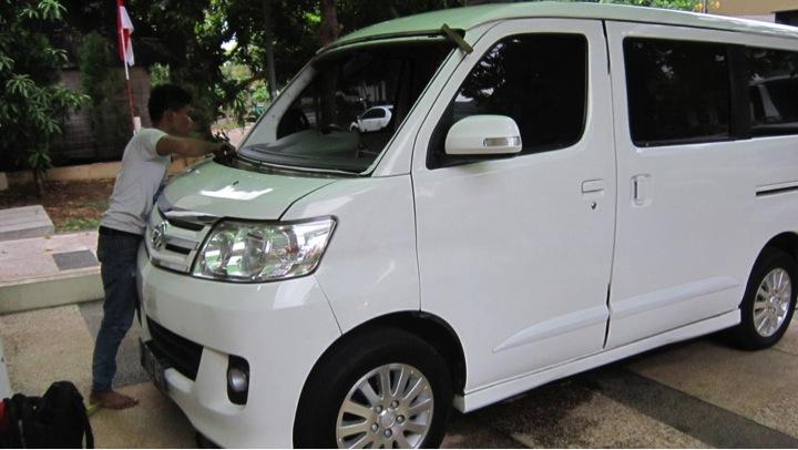 Ganti Kaca Mobil Luxio | JualKacaMobil.com